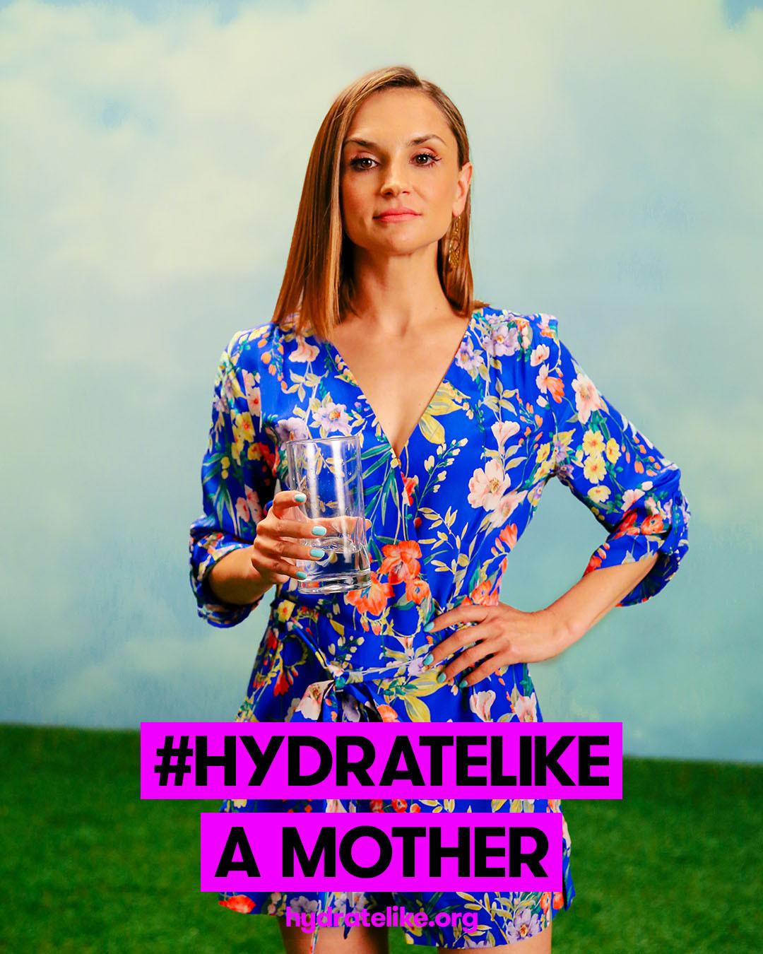 Hydrate Like Rachael Leigh Cook